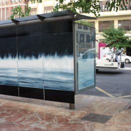 Entre Mares, instalación en marquesina de autobús. Jose Antonio Ochoa.